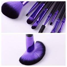 Vidalux cosmetic brushes