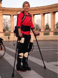 Watch Amanda Boxtel walk again with first 3D printed hybrid exoskeleton | 3D Printer News & 3D Printing News