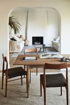 In a farmhouse design, the side table seems to have important roles that are unreplaceable. The farmhouse side table is not there for merely functions but the right design and … Living Room Designs, Living Room Decor, Living Spaces, Small Living, Modern Living, Modern Minimalist Living Room, Living Room Interior, Design Scandinavian, Interior Design Minimalist