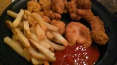 Hey yo its me Jeremiah jerry bernard the one only me my dinner tonite chicken tenders country style fries bacon flavored noodles how u doing too my family friends followers my haters love me   me iam praying for u Godbless