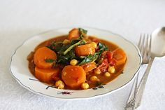 Sweet potato, kale and chickpea curry