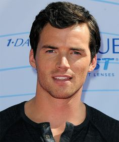 Ian Harding.... love me some Mr. Fitz