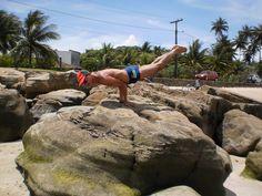 Ásana – Postura de Yoga – Mayurasana » Yoga Pose Weekly
