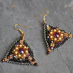 asia- triangle earrings-l.jpg (700×700)