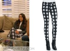 Brie Bella wears this black and white check pants in the episode 19 of Total Divas. It is the Rag & Bone white buffalo check zip-pocket twill jeans. Wwe Total Divas, Brie Bella, Blue Sneakers, Converse Chuck Taylor All Star, Season 3, Harem Pants, Tv Shows, Fashion Outfits, Black And White