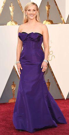 Purple Oscar De La Renta gown with built-in inner black corset - Academy Awards 2016