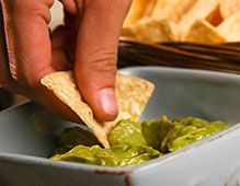 For a south-of-the-border taste, try this guacamole recipe that is a snap to make in your Blendtec Twister jar. Tumeric Milk Recipe, Coconut Milk Recipes, Turmeric Milk, Fruit Smoothie Recipes, Healthy Smoothies, Homemade Smoothies, Vegetable Smoothies, Vegetable Recipes, Recipe Using Milk
