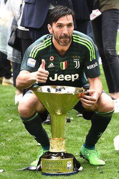 Juventus Fc, Goalkeeper, Football Players, Old Women, Idol, Number, Baseball Cards, Sport, Lady