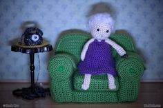 Shirley Watching TV by WooWork, via Flickr