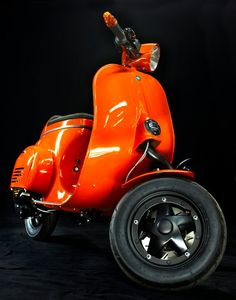 vespa....Oh yeah, watch out Edmonton here I come!!!