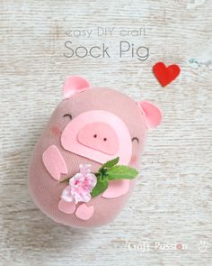 Make a cute sock pig by using a single sock. Quick and easy project, kid can make it with little help. Great upcycle craft for a missing sock. Pig Crafts, Sock Crafts, Sewing Crafts, Sewing Projects, Crafts For Kids, Crochet Projects, Craft Projects, Embroidery Patterns Free, Sewing Patterns Free