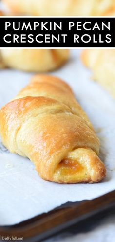 holiday treats Pumpkin Pecan Crescent Rolls are crescent rolls filled with pumpkin puree, chopped pecans, and brown sugar. Delicious breakfast, snack, or holiday treat! Köstliche Desserts, Delicious Desserts, Dessert Recipes, Breakfast Recipes, Yummy Food, Breakfast Snacks, Dessert Bread, Plated Desserts, Thanksgiving Recipes