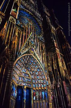 #Strasbourg, #Alsace http://unvoyagealafrancaise.blogspot.fr/2015/07/les-illuminations-de-la-cathedrale.html #Travel #Destination #France #BernardZimmer