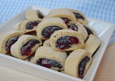 Sugar cookie roll with sour cherry and poppyseed - recipe in Hungarian Hungarian Cookies, Hungarian Cake, Hungarian Recipes, Czech Recipes, Ethnic Recipes, Poppy Cake, Sour Cherry, Something Sweet, Doughnut