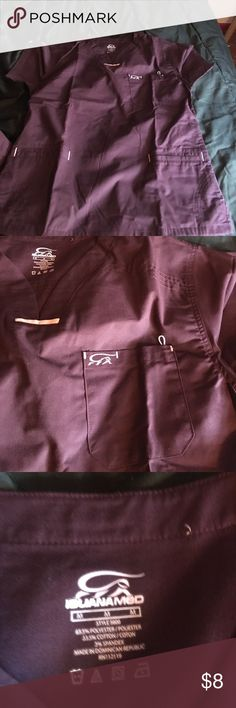 Medium scrub top women Purple scrub top. Purple. 3 pockets great material. No bottoms available Tops Tees - Short Sleeve