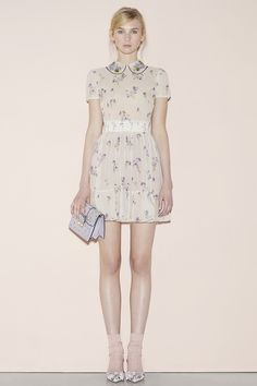 Red Valentino Spring 2016 Ready-to-Wear Collection Photos - Vogue   http://www.vogue.com/fashion-shows/spring-2016-ready-to-wear/red-valentino/slideshow/collection#23
