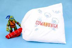 @mariahbenson  DIY Teenage Mutant Ninja Turtles Pillow Fight