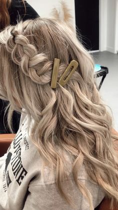 Haare A Shifting Expertise I've discovered a cool residence! Everyday Hairstyles, Down Hairstyles, Summer Hairstyles, Girl Hairstyles, Halloween Hairstyles, 7th Grade Hairstyles, Natural Hairstyles, Easy Hairstyles For Medium Hair For School, Casual Hairstyles For Long Hair