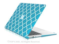 "Aqua Blue Quatrefoil / Moroccan Trellis Ultra Slim Light Weight Hard Case Cover for Apple MacBook Air 11"" Model: A1370 and A1465"
