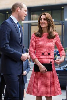 Catherine, Duchess of Cambridge and Prince William, Duke of Cambridge visit the mentoring programme of the XLP project, London Wall on March 11, 2016 in London, England.