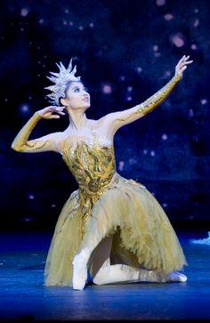 "Lei Zhao as Summer in ""Cinderella"" (Birmingham Royal Ballet). Photo: Bill Cooper"
