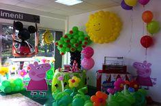 Rendi speciale il tuo evento con un allestimento di palloncini a Roma: raffinati centro tavola, segna posto e strutture di forte impatto scenografico etc..