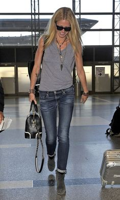 Gwyneth Paltrow in Rag & Bone Jeans : Cool Casual Outfit