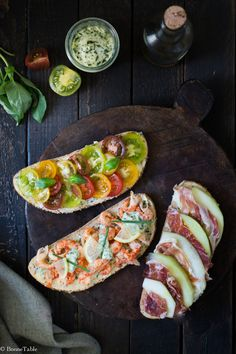 Summer toast with herb butter The post Summer toast with herb butter appeared first on Flammkuchen Toast. Bruschetta, Tapas, Healthy Cooking, Healthy Recipes, Bbq Salads, Summer Salads, Food Porn, Quick Healthy Breakfast, Herb Butter