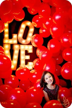 Valentine Mini Session 2015 www.lisageorge-photography.com  So many balloons and so much love!