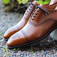 Love brogues but do not understand them? Well here is a guide that will give you…