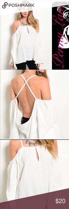 LAST ONE 💥Gorgeous White Boho Cold Shoulder top! Beautiful top! Last one left is a size medium. White gauzy material hangs loosely in all the right places! This top does run a bit on the larger side, so please keep that in mind. Bell sleeves, keyhole chest.PRICE IS FIRM UNLESS BUNDLING Tops