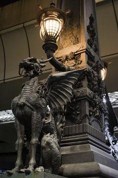 Dragon on watch Dragons, Gothic Gargoyles, Street Art, Architectural Sculpture, Ange Demon, Art Sculpture, Gothic Architecture, Dragon Art, Pics Art