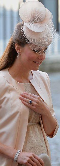 Jane Taylor Millinery Beaded Cocktail Fascinator ($1266). celebración del 60 aniversario de la coronación de la Reina Isabel II. 03/Junio/2013