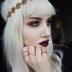 Hate the lip piercing but this is pretty look
