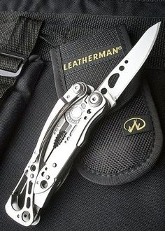 The Leatherman Skeletool, an excellent medium/light capability multitool that's easily carried in belt pouch or by pocket clip. Cool Knives, Knives And Tools, Edc Tools, Survival Tools, Bushcraft Kit, Edc Gadgets, Edc Tactical, Everyday Carry Gear, Tac Gear