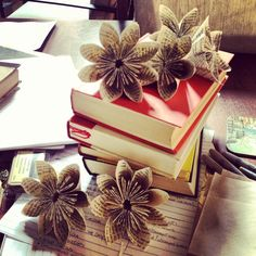 Paper flowers DIY with book pages