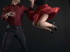 CLASES DE SWING – PILAR OLIVARES BSD – BAILAS SOCIAL DANCE MÁLAGA CENTRO Clases de baile para grupos y particulares. C/ Esperanto nº8, 29007. Málaga 951 39 33 20 // 622 71 86 86 www.bailasmalagacentro.com