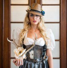 Huntress Dirndl