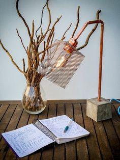 La déco récup est une tendance dans l'aménagement d'intérieur qui veut qu'on réutilise des objets désuets et les transformer en objets déco tendance.
