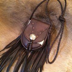 Deer Leather fringe pouch brown white mix por NomadWorld en Etsy