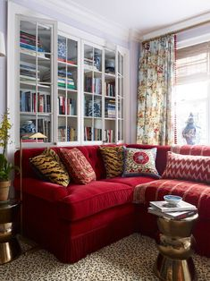 10 ideas that will make you fall in love with a red sofa 3 10 ideas rh pinterest com