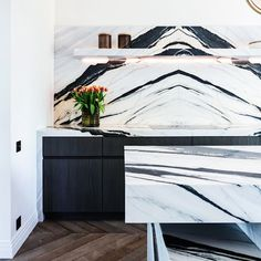 🍳 KITCHEN INSPIRATION ⠀⠀⠀ ⠀⠀⠀⠀⠀⠀⠀⠀⠀⠀⠀⠀⠀ Tips: When using Marble in a kitchen choose Book-Matching slabs: it will be timeless and very chic, just like this Black & White Marble ⠀⠀⠀ ⠀⠀⠀⠀⠀⠀⠀⠀⠀⠀⠀⠀⠀⠀ Discover more than 3'000 Marbles at the 'materials' section on our website (link in bio)⠀⠀⠀ ⠀⠀⠀⠀⠀⠀⠀⠀⠀⠀⠀⠀⠀ #️⃣ #ValsecchiMarbles⠀⠀ 📸 @MarbleOnMe⠀⠀⠀⠀⠀⠀⠀⠀ ⠀⠀⠀⠀⠀⠀⠀⠀⠀⠀⠀⠀⠀⠀⠀ 📸 Pinterest