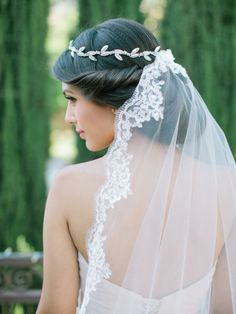 Victorian style lace veil and head crown
