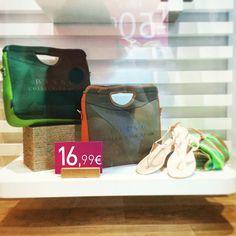 @beckysweet1985 sigue aprovechando las rebajas, y recomienda no perder de vista estos bolsos de mano de Bissú. ¡No los dejes pasar!    #outfit #noche #nightfashion #moda #bolsos #outfit #fashion #bag #backpack #instafashion #complements #accessories #bolsos #outfitoftheday #accesorios #rebajas #soldout #sales #fashionblogger #fashiondiaries #spanishblogger #style #insragramer  #HashTags #beautiful #beauty