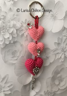 Irish Crochet Lab is a detailed online course of how to make Irish Crochet Lace. Crochet Keychain, Crochet Earrings, Irish Crochet, Crochet Lace, Heart Bubbles, Irish Lace, Learn To Crochet, Key Chain, Knitting