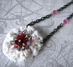Hanmade+Vintage+Doily+Yo+Yo+Necklace+with+Rhinestones.jpg 442×411 pixels