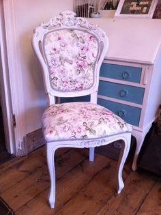 #shabbychic Occasion #bedroom #chair In #vintage Faded #rose Fabric Www.