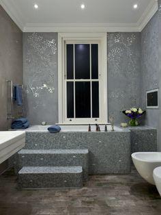 Как правильно клеить обои?! Подробные инструкции от опытных специалистов http://happymodern.ru/kak-kleit-oboi/ Для ванной комнаты подойдут виниловые обои, так как за ними легко ухаживать во влажном помещении