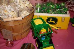 fresh crafts: John Deere Tractor Birthday Party