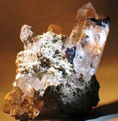Bergkristall mit Hämatit und Rutil